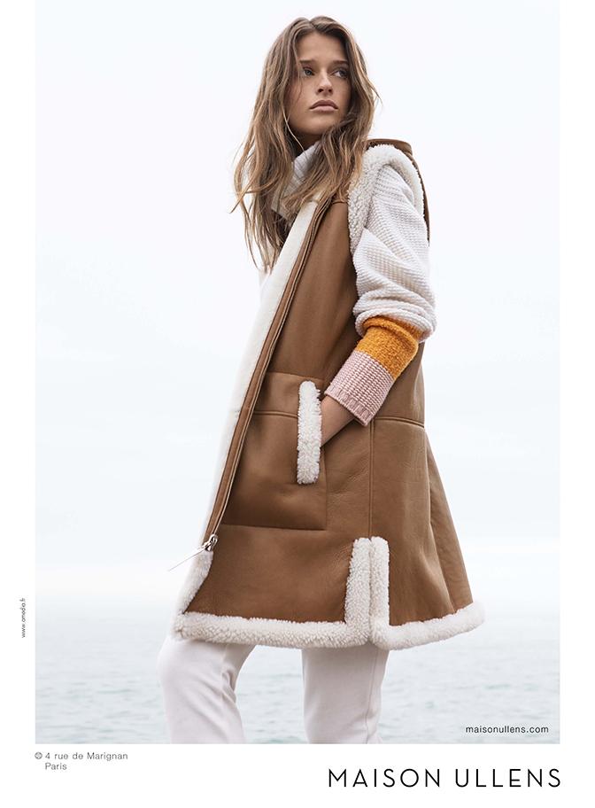 manteau long marron et fourrure